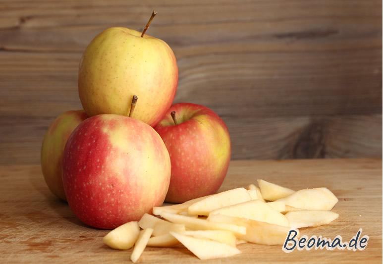 Äpfel für den Pfannkuchen